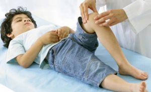 у ребенка болят ноги