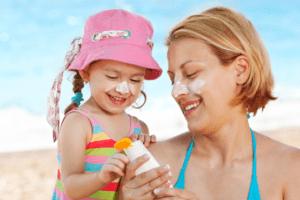как выбрать солнцезащитный крем для ребенка