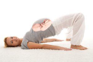 упражнения для переворота ребенка в утробе