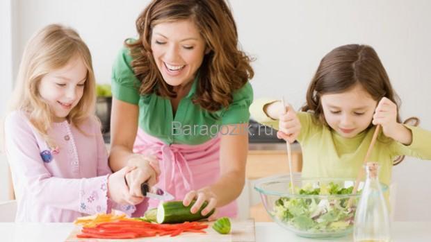 учим детей готовить