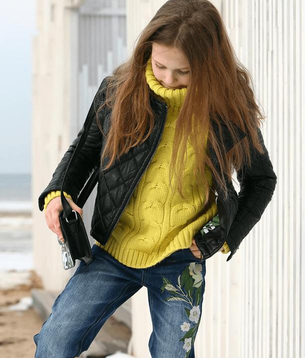 Черная куртка для девочек