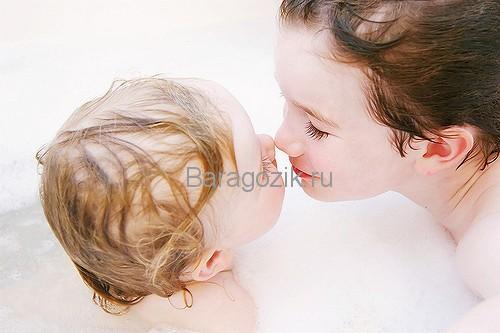 Купание с ребенком