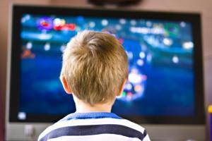 Ребенок перед ТВ