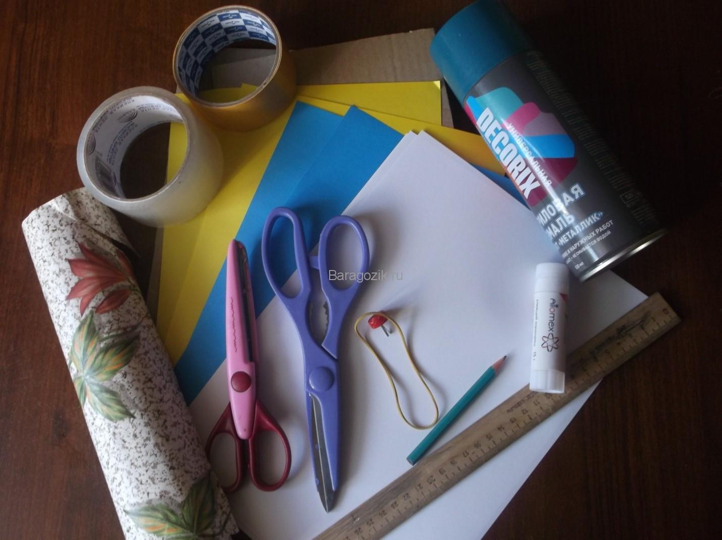 papka-dlya-tetradej-svoimi-rukami-v-podarok-shkolniku-1 Как сделать папку для тетрадей своими руками в подарок школьнику