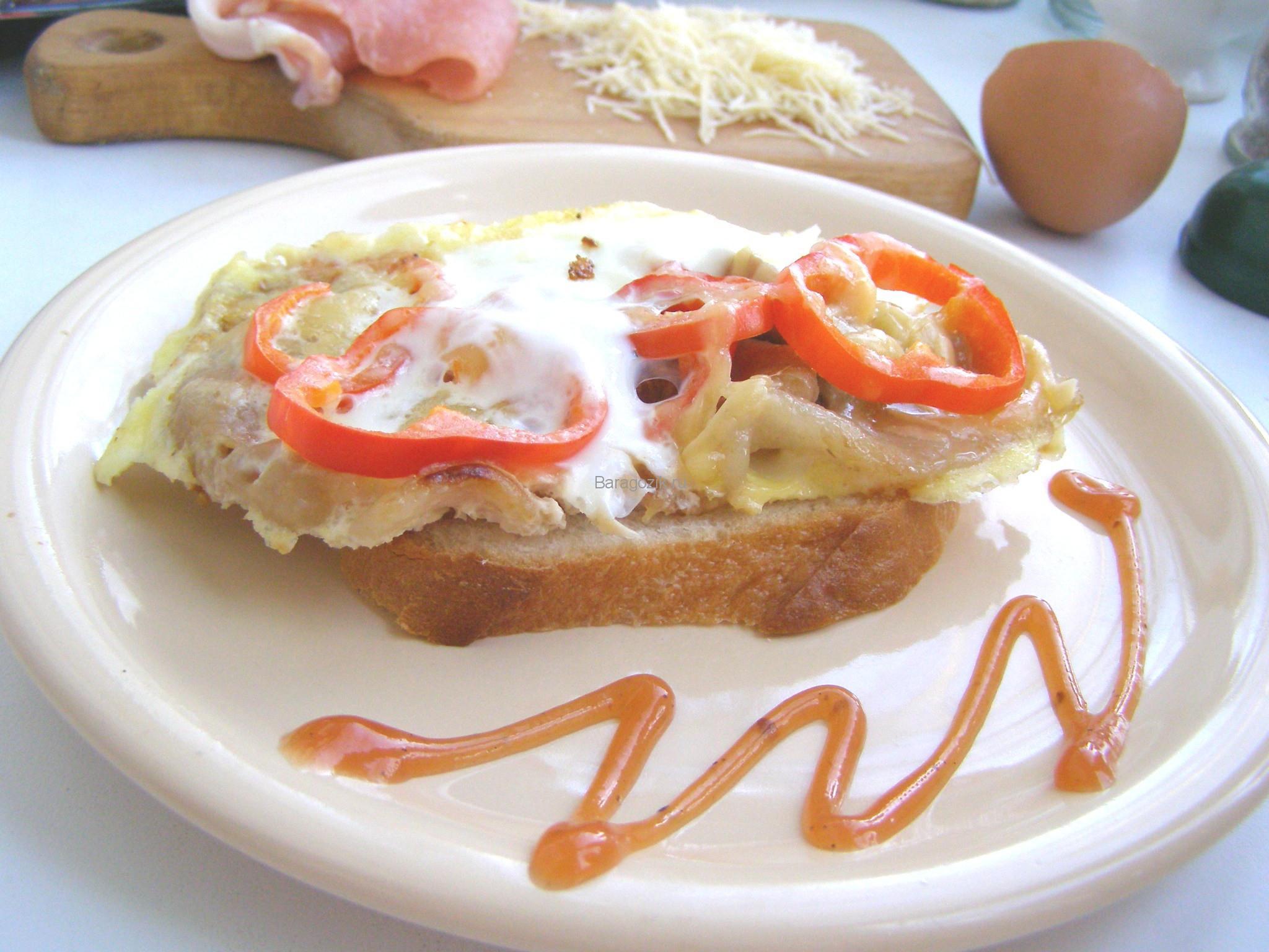 Бутерброд с яичницей