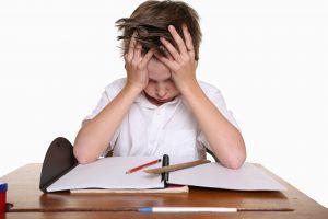 Почему ребенок не хочет учиться, и как его заинтересовать учебой