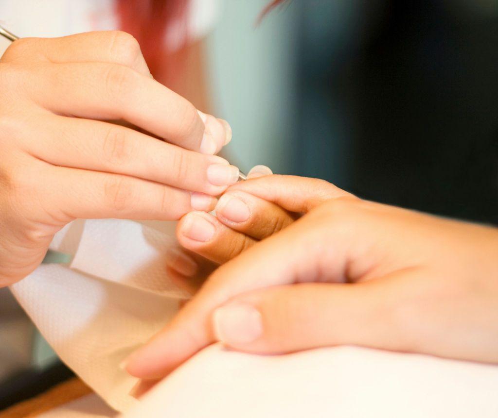 Как достать занозу из пальца или пятки у ребенка