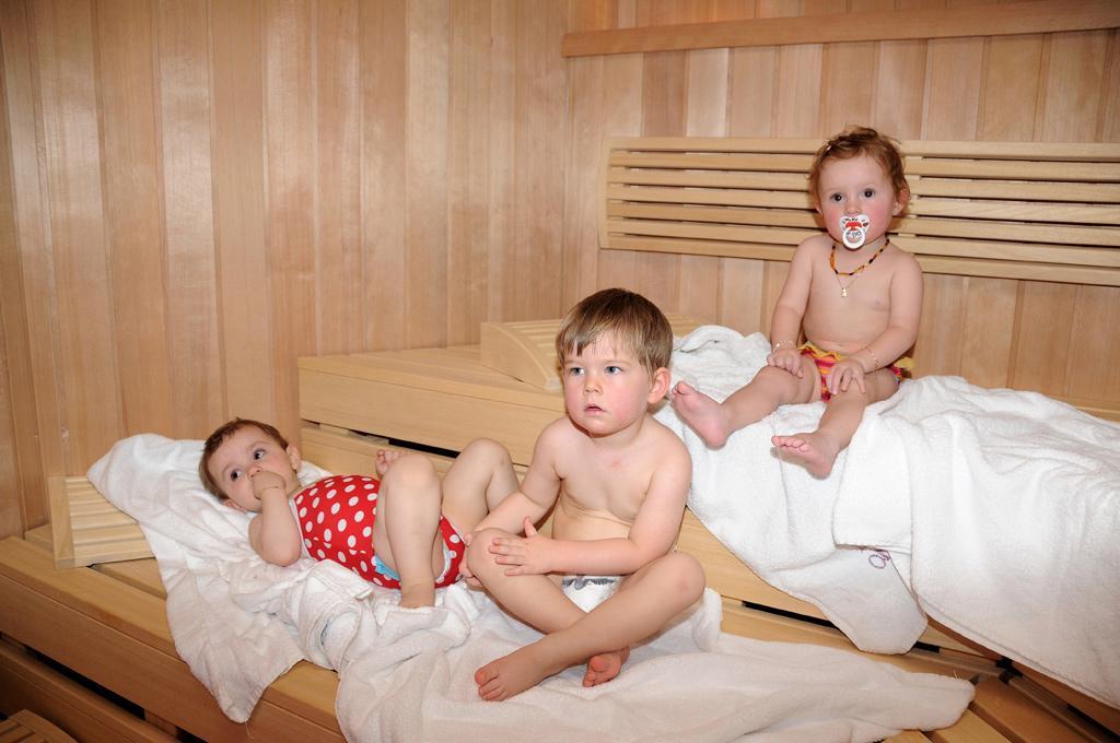 Как правильно парить ребенка в бане